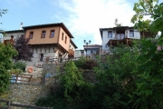 Ξενώνας Βίραγγα, Πολύγυρος